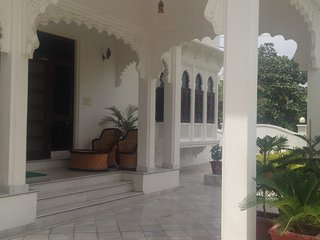 The Luxury Super Deluxe Room I (ROYAL HERITAGE VILLA) - Udaipur vacation rentals