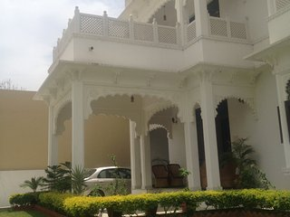 The Comfy Deluxe Room I (ROYAL HERITAGE VILLA) - Udaipur vacation rentals