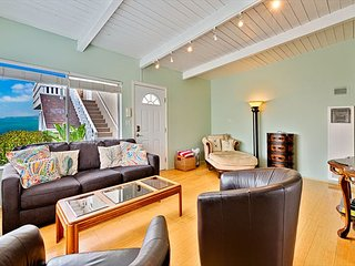 20% OFF DEC- Perfect Holiday House- Walk to the Beach,Ocean Views, Large Deck - San Clemente vacation rentals