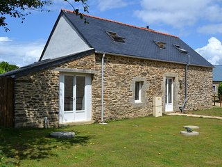 Beautiful renovated stone barn - Plonevez-du-Faou vacation rentals
