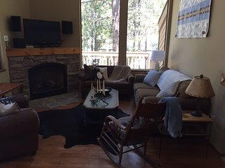 3 bedroom House with Hot Tub in Bend - Bend vacation rentals