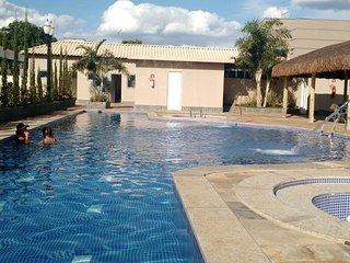 PUNTACALDAS - 3 CASAS  6 Quartos 30 pessoas+Águas Termais Sulfurosas-Sauna Vapor - Caldas Novas vacation rentals