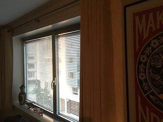 Joli F1 35 m° meublé avec TV, Wifi, cuisine équipé - Annemasse vacation rentals