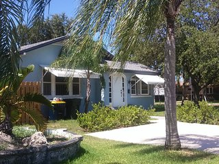 2 bedroom House with Television in Dania Beach - Dania Beach vacation rentals
