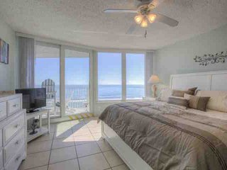 BREATHTAKING VIEWS Beautiful Oceanfront, 2/2 Condo, Sleeps 8, Car-free Beach - Daytona Beach Shores vacation rentals
