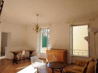 Spacieux Deux Chambres Au Port - Nice vacation rentals