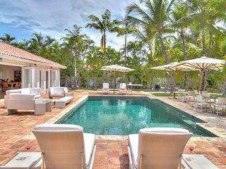8 bedroom Villa with Internet Access in Altos Dechavon - Altos Dechavon vacation rentals