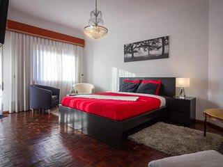 GUEST HOUSE ESPLANADA SUITE W.C. Privativo - Castelo Branco vacation rentals
