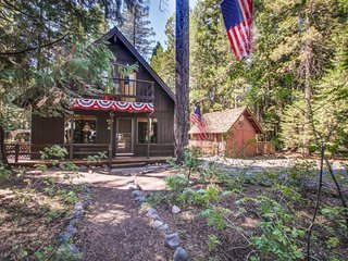 Lovely cabin-style home w/ fascinating history & walking distance to shore! - Homewood vacation rentals