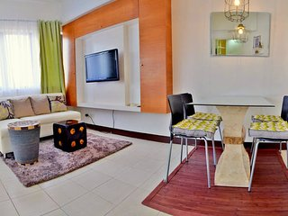 Perfect Condo with Elevator Access and Television - Cebu City vacation rentals