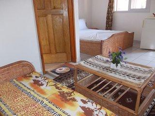Chambres confort dans mini resort bord mer - Kribi vacation rentals