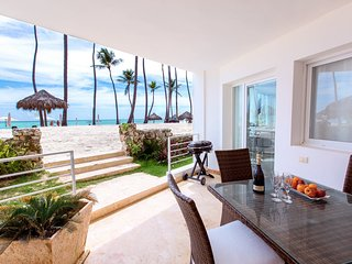 Sea View Delux Beach front 8 guests WiFi - Bavaro vacation rentals
