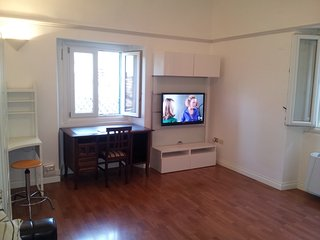 Cozy 2 bedroom Chieti Apartment with Washing Machine - Chieti vacation rentals