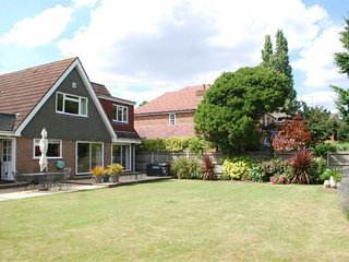 4 Bed Twickenham House - Private Parking, Garden - Twickenham vacation rentals