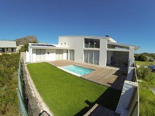 Nice 4 bedroom Pringle Bay Villa with Television - Pringle Bay vacation rentals