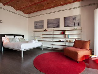 Enjoybcn Coliseum Apartments-Loft for couples & families in center - Barcelona vacation rentals