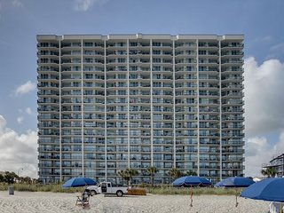 Great Oceanfront condo- 4 TVs, Lazy river, indoor pool, hot tub, picnic area - North Myrtle Beach vacation rentals