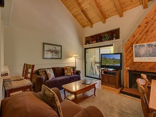 Comfortable 3 bedroom House in Carnelian Bay with Shared Outdoor Pool - Carnelian Bay vacation rentals