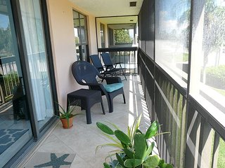 Inviting condo w/ two heated pools & short walk to Resident's Beach - Marco Island vacation rentals