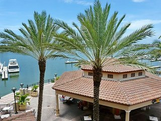 Luxurious Esplanade condo overlooking Smokehouse Bay - Marco Island vacation rentals