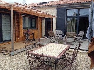 Nice 2 bedroom House in Jau-Dignac-et-Loirac - Jau-Dignac-et-Loirac vacation rentals