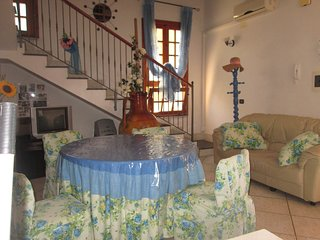 Adorable Apartment in Leporano with Internet Access, sleeps 7 - Leporano vacation rentals