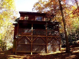 """AMONG THE LAURELS"" Tucked Away W/Hot Tub Near Boone & West Jefferson - McLeansville vacation rentals"