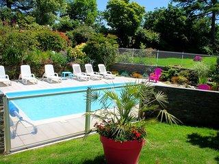 maison/gite avec pisne chauffée et couverte - Pont-Croix vacation rentals