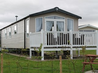 Luxury 6 berth Mobile Home - Seton Sands - Cockenzie vacation rentals