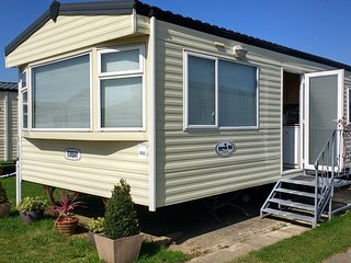 Thomas Caravan - Hayling Island Holiday Park - Hayling Island vacation rentals