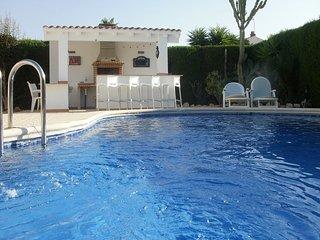 Beautiful 2 Bedroom Villa with private pool - Los Alcazares vacation rentals