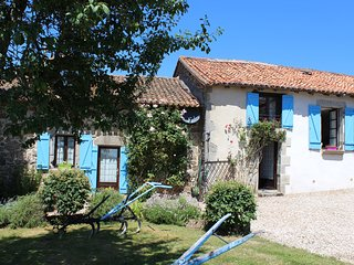 Nice 3 bedroom Cottage in Nontron with Internet Access - Nontron vacation rentals