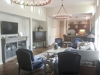Casa de Miguel - 3BR/3BA Luxurious Beautifully Designed Family Home Soco - Austin vacation rentals