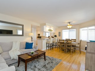 Manhattan Beach 2 Bed/2 Bath Condo - Manhattan Beach vacation rentals