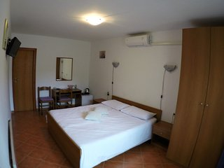 Nice Guest house with Internet Access and A/C - Nova Vas vacation rentals