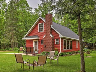 Quaint 3BR Birnamwood Cottage w/Patio, Outdoor Fire Pit & Stunning River Views - Located on 40 Acres of Private Land! Close to Walking Trails, Fishing, Dining & More! - Birnamwood vacation rentals