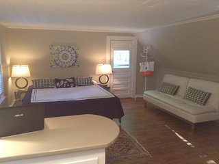 Lake Winnipesaukee Modern Studio King Bed - Moultonborough vacation rentals