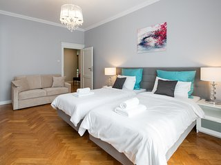 LUXE*Elegant Glamour*Relax in Style - Krakow vacation rentals