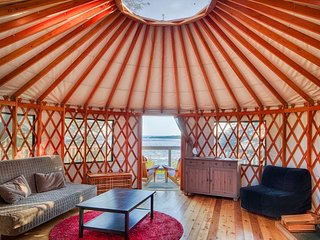 Ucluelet WYA Point Resort Hummingbird Yurt - Ucluelet vacation rentals
