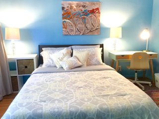 Queen bed in a fresh, private room. - Los Angeles vacation rentals
