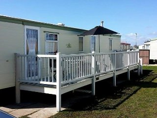 8 BERTH CARAVAN KINGFISHER PARK - Ingoldmells vacation rentals