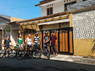 Nice 4 bedroom Guest house in Sleman - Sleman vacation rentals