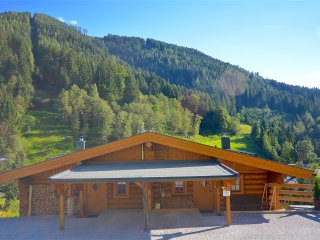 Nice Chalet with Washing Machine and Television - Thumersbach vacation rentals