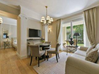 Pertinace Apartment in Barolo Vineyards - Castiglione Falletto vacation rentals