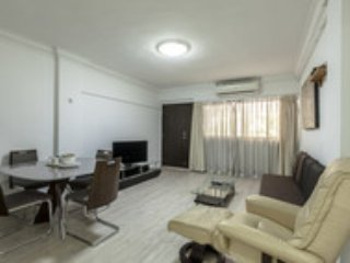 Offer Orchard 2-bedroom Apartment F9 - Singapore vacation rentals