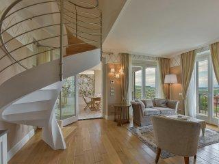 Cavour Apartment in Barolo Vineyards - Castiglione Falletto vacation rentals