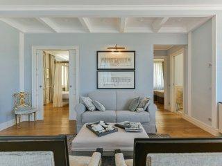Bonaparte Apartment in the Barolo Vineyards - Castiglione Falletto vacation rentals