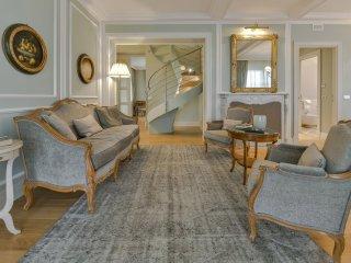 Colbert Apartment in Barolo Vineyards - Castiglione Falletto vacation rentals