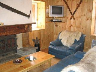 maison de village,décorée style chalet - Viella vacation rentals