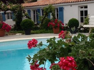 Les Dimes (for 2). Heated pool and gourmet food! - Curzon vacation rentals